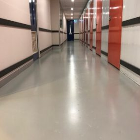 commercial-epoxy-flooring-by-grind-and-seal-melbourne-light-grey-2